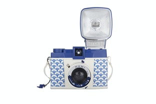 다이아나 F+ 카메라 & 플래시 나미 에디션